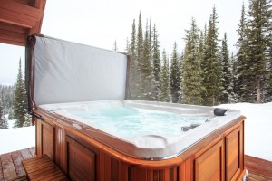 Hot tub at Grizzly Lodge