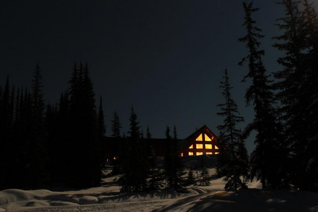 Grizzly Lodge At Night