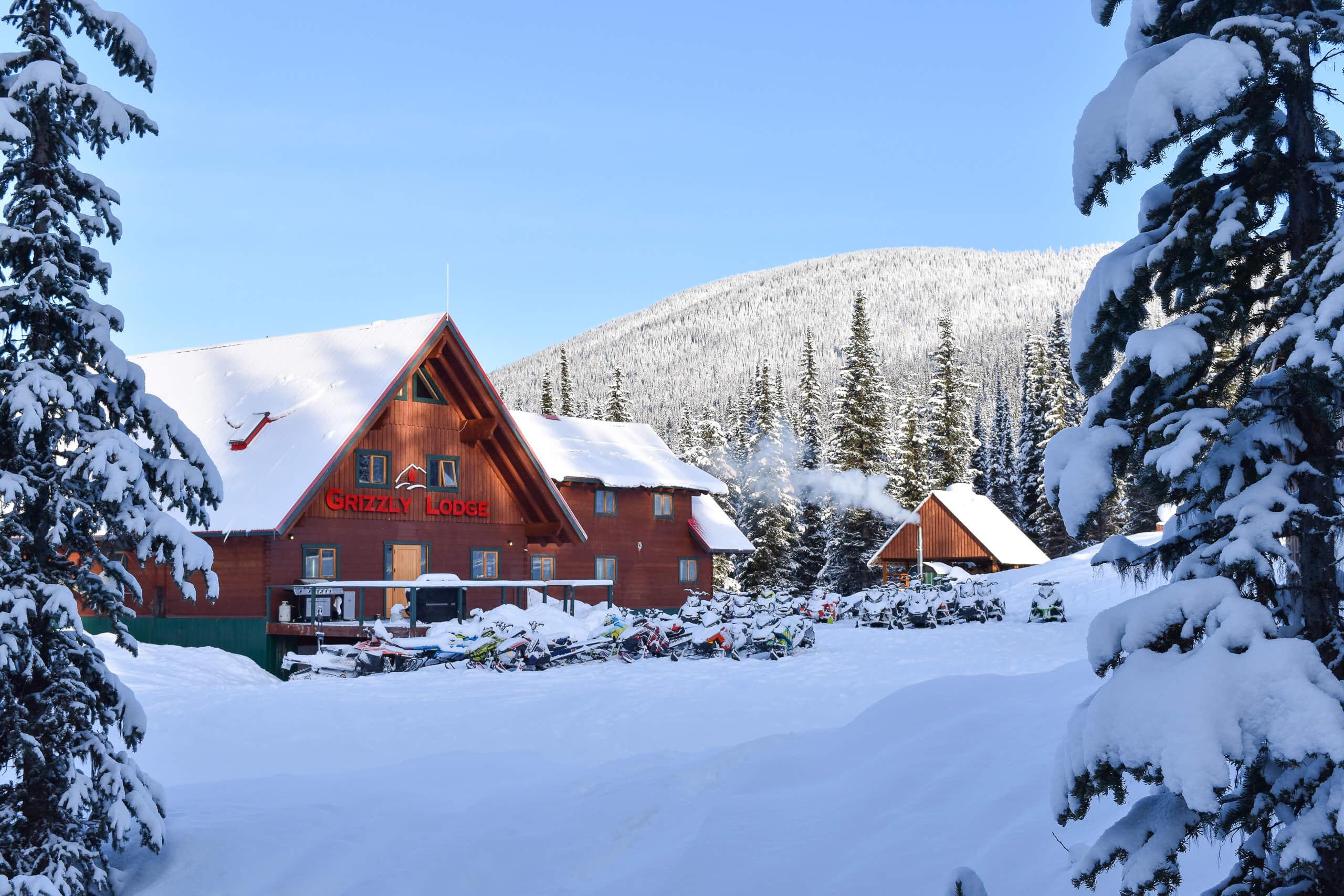 backcountry-snowmobile-accommodation